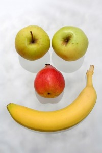 974785-obst-face